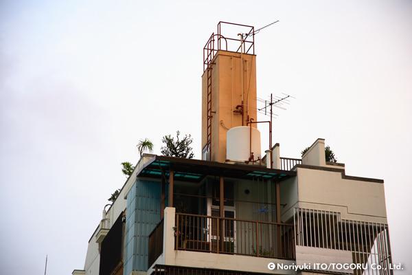 ビルの最上階にあったトム・ソーヤの小屋みたいなもの